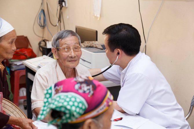 Khám chữa bệnh tình nguyện tại xã Phú Điền, Nam Sách, Hải Dương