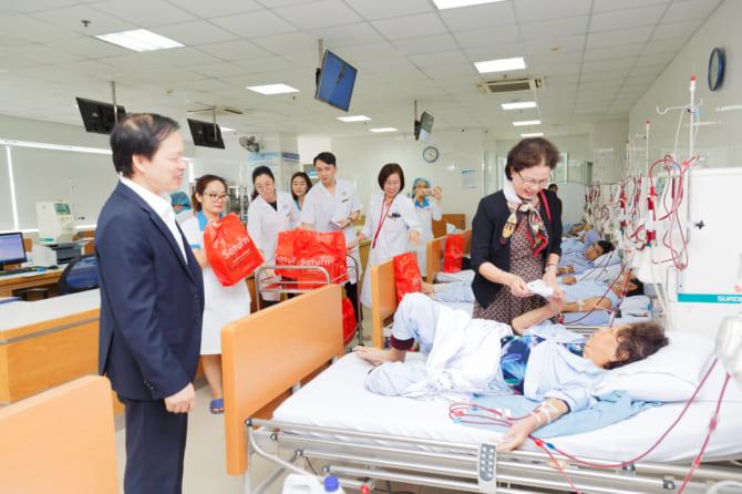 Thăm, tặng quà cho bệnh nhân tại Đơn vị Thận nhân tạo, Bệnh viện đa khoa Quốc tế Hải Phòng