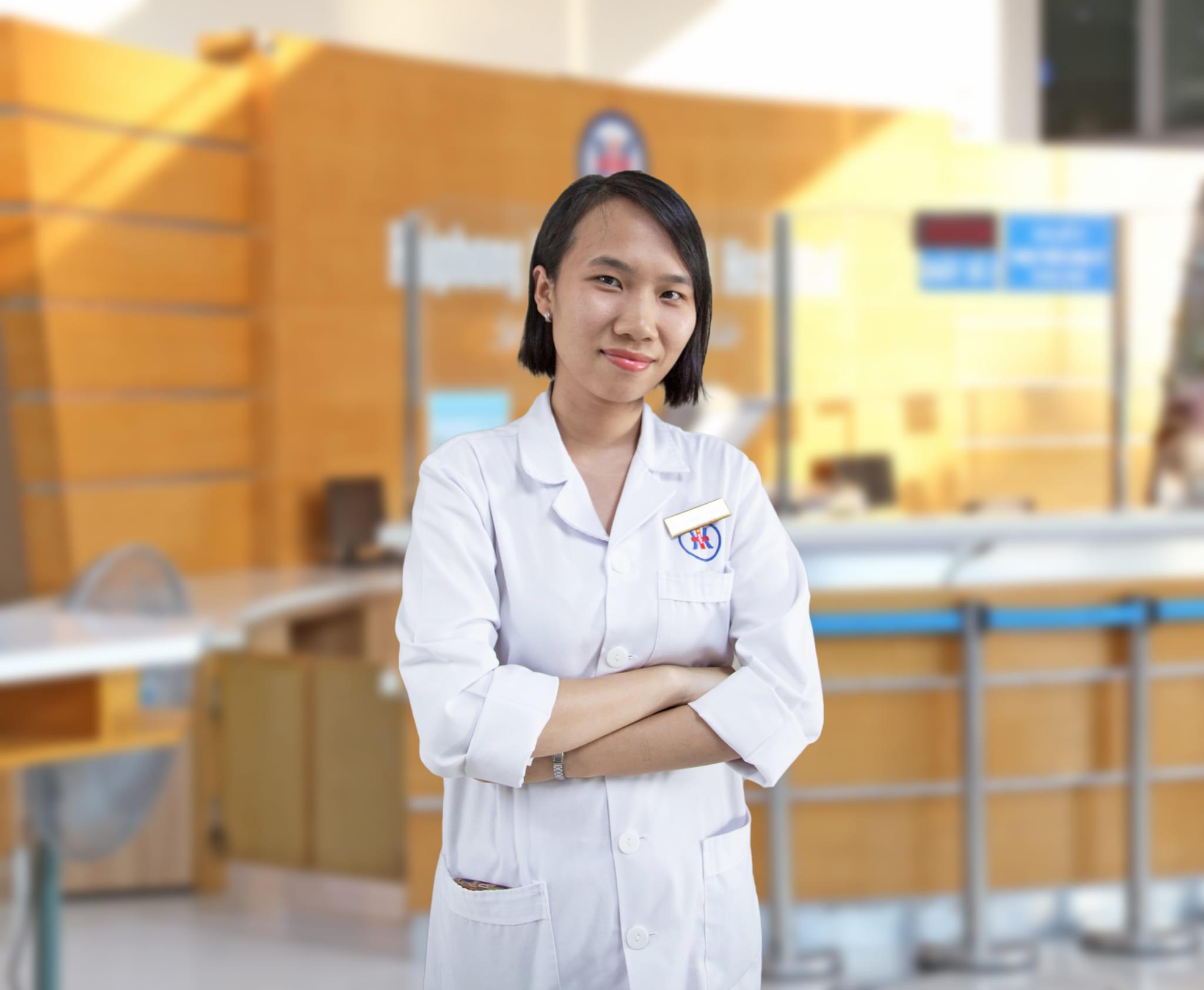 Bác sĩ Phùng Thị Nhâm