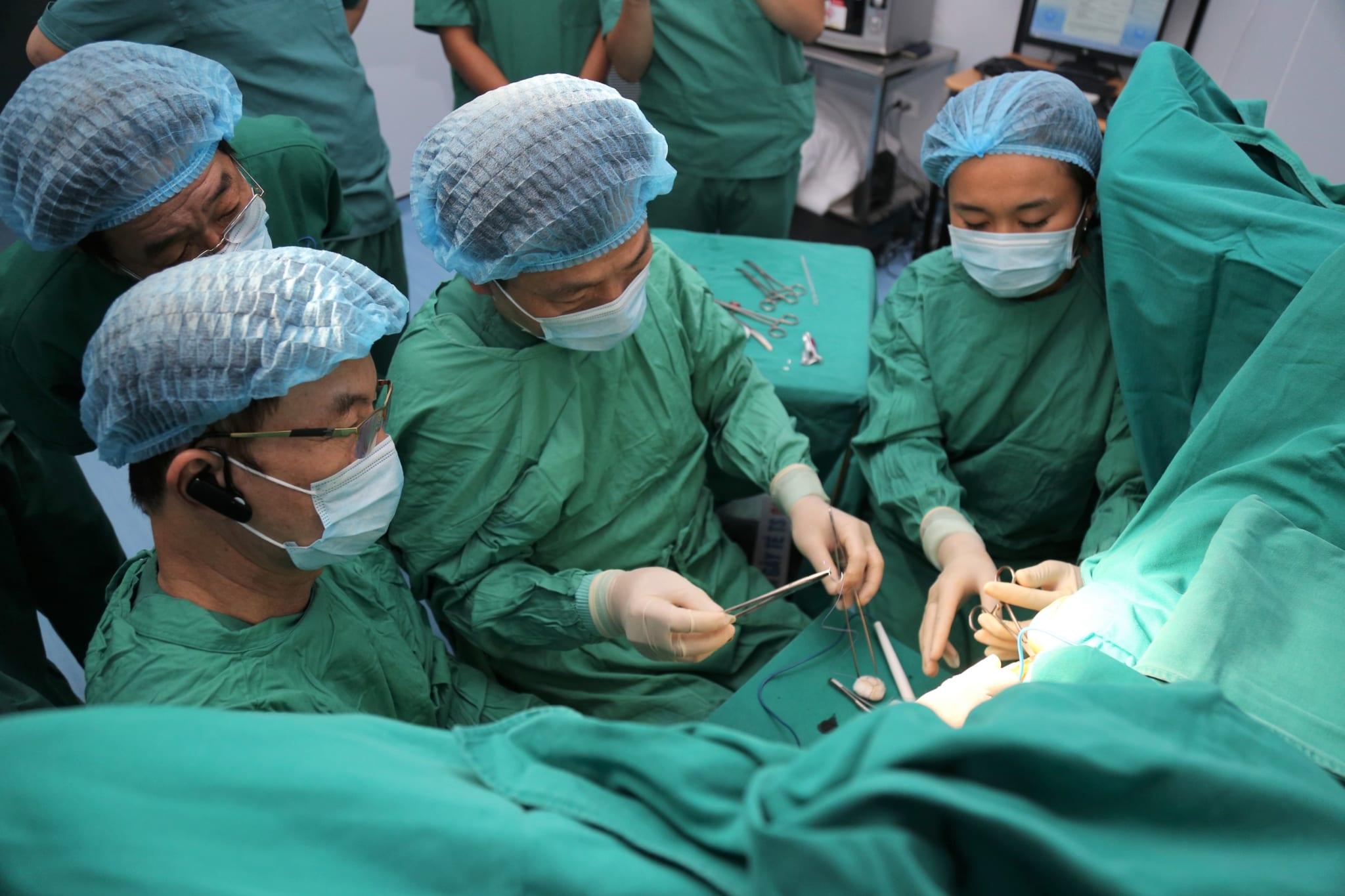 """Kỹ thuật """"Phẫu thuật triệt mạch trĩ dưới hướng dẫn của siêu âm Doppler"""" – Tin vui dành cho bệnh nhân trĩ"""