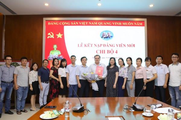 Lễ kết nạp Đảng viên mới chi bộ 4 – Đảng bộ bệnh viện đa khoa Quốc tế Hải Phòng